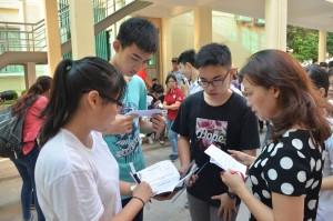 Giáo dục - du học - Hoa mắt, chóng mặt... ôn tập trước kỳ thi THPT quốc gia