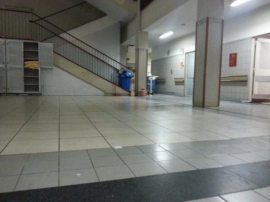 Hà Nội: Nam bệnh nhân nhảy lầu tự tử tại Bệnh viện Bạch Mai