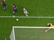 Video bóng đá hot - Tranh cãi: Barca mất oan một quả phạt đền