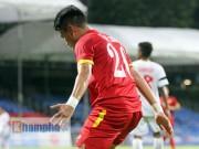 """Video hot SEA Games 28 - """"Ronaldo"""" Việt Nam ghi bàn điệu nghệ"""
