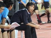 """Bóng đá Việt Nam - Bị đối thủ khiêu khích, HLV Miura """"ngó lơ"""""""
