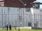 An ninh Xã hội - Mỹ: Hai tội phạm khét tiếng vượt ngục như phim