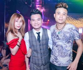 Khắc Việt bất ngờ trước tình cảm của fan