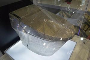 Phi thường - kỳ quặc - Video: Choáng ngợp với bồn cầu pha lê gần 3 tỷ đồng