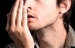 Sức khỏe đời sống - 5 nguyên nhân khiến hơi thở buổi sáng nặng mùi