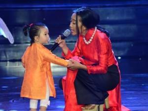Ca nhạc - MTV - Đoan Trang lần đầu mang con gái 1 tuổi lên sân khấu