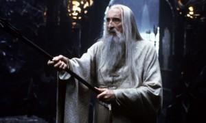 """Phim - Phù thủy Saruman của """"Chúa Nhẫn"""" qua đời ở tuổi 93"""