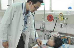 Sốt xuất huyết mà bác sĩ nói viêm họng!