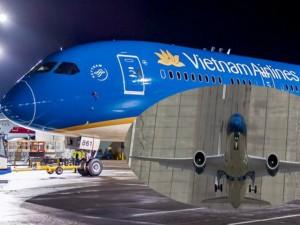 Phi thường - kỳ quặc - Kinh ngạc: Máy bay mới Vietnam Airlines cất cánh thẳng đứng