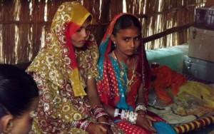 Tin tức trong ngày - Bí mật đằng sau những đám cưới trong đêm ở Ấn Độ