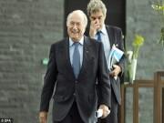 """Sự kiện - Bình luận - Nóng: Blatter """"trở mặt"""" muốn quay lại ghế chủ tịch FIFA"""