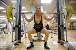 Sức khỏe đời sống - Cụ ông U80 khoe cơ bắp khiến trai trẻ phát thèm