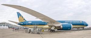 Tin tức trong ngày - Boeing 787 của VNA cất cánh thẳng đứng tại Paris