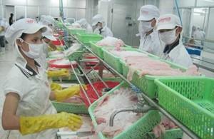 Thị trường - Tiêu dùng - Tôm, cá cũng oằn mình cõng phí
