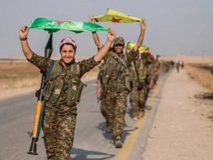 """Thế giới - IS có nguy cơ mất sào huyệt vì bị """"cắt yết hầu"""""""