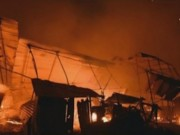 Bản tin 113 - Cháy khủng khiếp trong đêm, 4.000 người tháo chạy