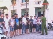 Video An ninh - Mâu thuẫn trên Facebook, hai nhóm học sinh hỗn chiến