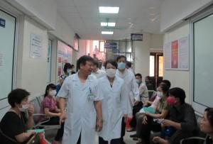 Hà Nội: Mỗi ngày, 2 người đi khám vì nghi nhiễm MERS