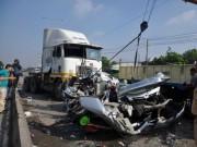 Tin tức trong ngày - Khởi tố tài xế container tông chết gia đình Việt kiều