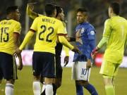 """Các giải bóng đá khác - Neymar ăn thẻ đỏ, nội bộ Brazil """"dậy sóng"""""""