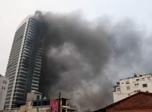 """Tin tức trong ngày - Máy bay trực thăng chữa cháy: """"Đỗ ở đâu?"""""""