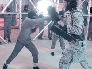 Tin tức trong ngày - Video: IS huấn luyện sát thủ nhí trong lồng thép
