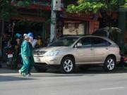 An ninh Xã hội - Đại gia Hải Phòng và bạn gái bị tạt axit trong xe Lexus