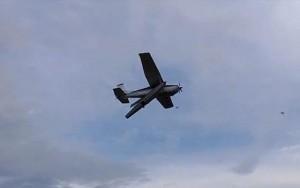 Tin tức trong ngày - Video 2 máy bay Canada đâm nhau, 1 phi công sống sót