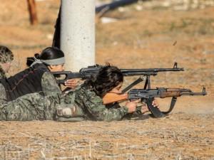 """Tin tức trong ngày - Dân quân người Kurd dồn chiến binh IS vào """"cửa tử"""""""