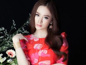 Váy - Đầm - Angela Phương Trinh ngoan hiền trong bộ ảnh mới