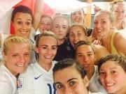 Các giải bóng đá khác - Thủ quân ĐT nữ Anh đá bóng vì mê... Beckham