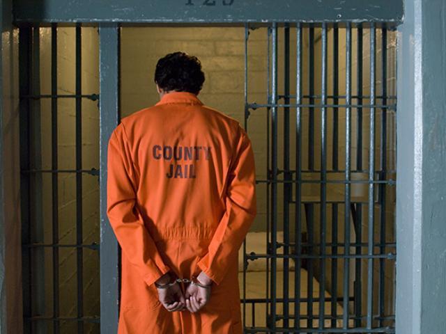 Số phận bi thảm của một tội phạm ấu dâm trong nhà tù Mỹ