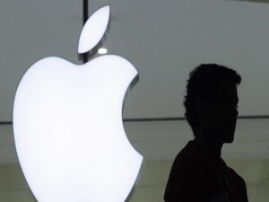"""FBI bẻ khóa thành công iPhone, sẵn sàng  """" bẻ """"  luôn iPod"""