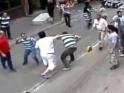 Thể thao - 1 đả 15 người: Võ sĩ đối mặt án tù