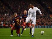 """Bóng đá - """"Bay"""" cùng Ronaldo: Bế tắc, xà ngang & bàn thắng"""