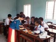 Giáo dục - du học - Học sinh nghỉ học… đi làm rẫy