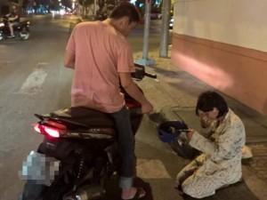 Tin tức Việt Nam - Phát hiện ăn xin ở Nha Trang, 8 người được thưởng tiền