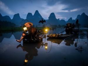 Thế giới - Ảnh tuyệt đẹp về ngư dân đánh cá bằng chim cốc ở TQ
