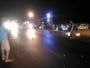 Tin tức trong ngày - 4 xe máy tông nhau, 2 thanh niên chết tại chỗ