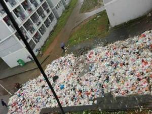 Bạn trẻ - Cuộc sống - Ký túc xá bẩn như bãi rác của sinh viên Trung Quốc