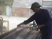 Video An ninh - Dùng hóa chất và bột lạ để sản xuất đũa tre