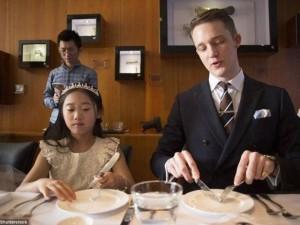 Thế giới - TQ: Cho con học phong cách quý tộc 1 ngày tốn 13 triệu