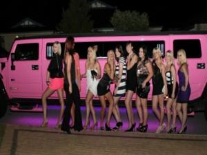 Ô tô - Xe máy - Top 10 xe Limousine dài nhất, xa xỉ như vũ trường di động