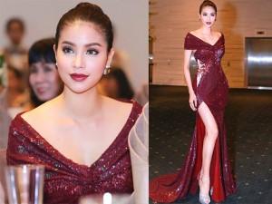 Thời trang - Phạm Hương khoe chân dài miên man với váy xẻ cao