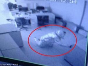 """Thế giới - Brazil: Hai tên trộm """"tàng hình"""" trước hệ thống báo động"""