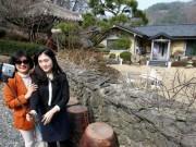 Thế giới - Du khách đổ xô đến nhà của bố mẹ Song Joong Ki chụp ảnh