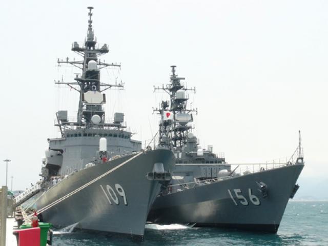 Hai chiến hạm hàng đầu Nhật Bản cập cảng Cam Ranh