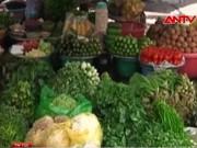 """Thị trường - Tiêu dùng - Rau xanh ở TP.HCM đua nhau tăng giá """"chóng mặt"""""""