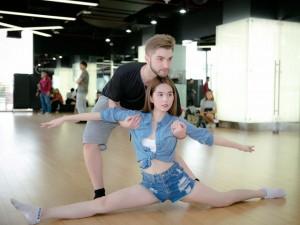 """Ngọc Trinh gợi cảm tập nhảy cho  """" Bước nhảy hoàn vũ """""""