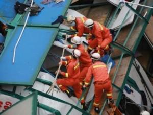 Thế giới - TQ: Gió thổi sập cần cẩu, 18 người thiệt mạng